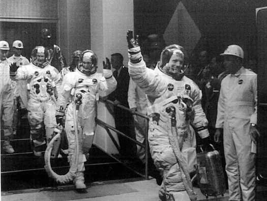 living apollo 11 astronauts - 525×395